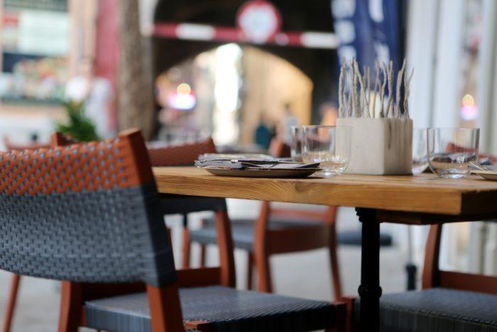 restaurant-406972_1920